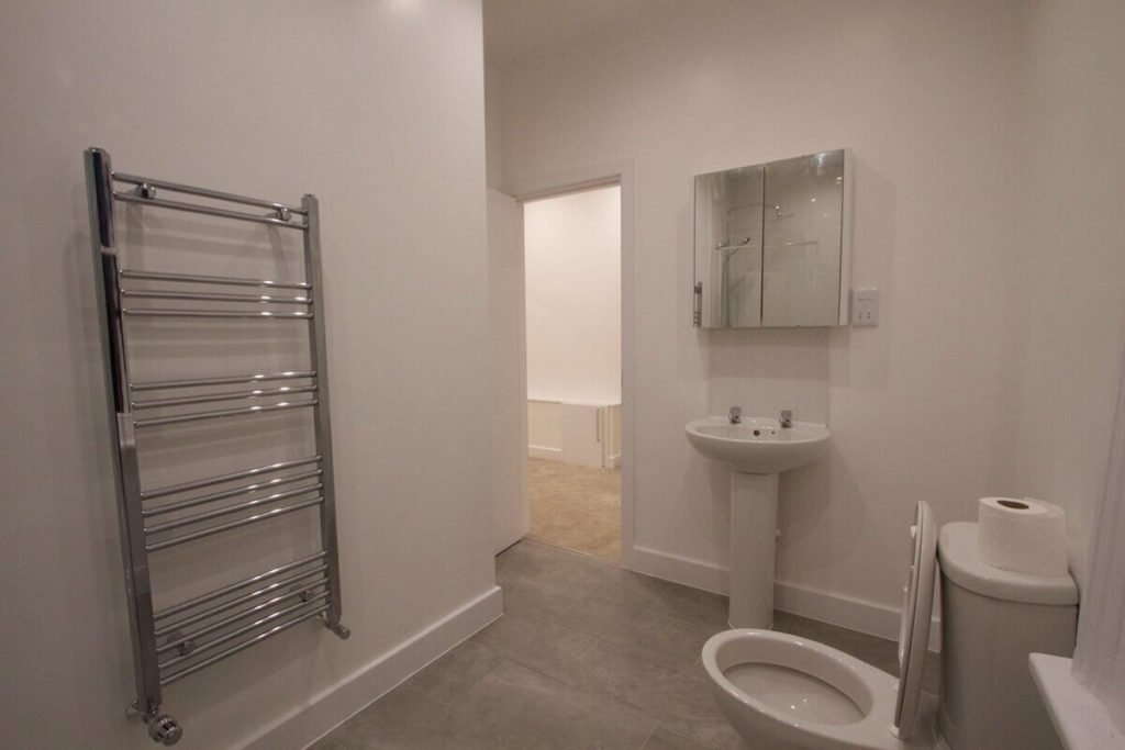 bathroom installers in north london